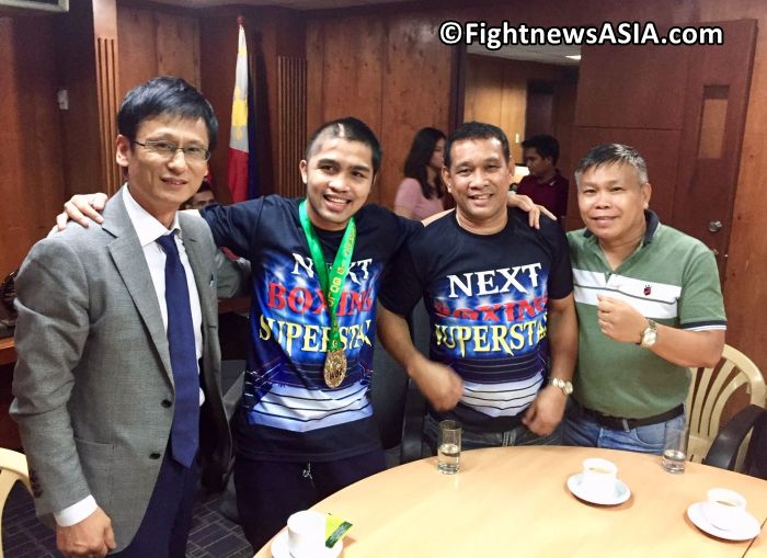 Renerio Arizala Receives WBA Champion Medal today. From L to R. WBC International Secretary Tsuyoshi Yasokuchi, Renario Arizala, Coach Jonathan Penalosa and Filipino matchmaker Art Monis