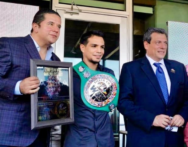 After Súper Thriller against Berynchik, José Zepeda Receives his WBC Silver Belt