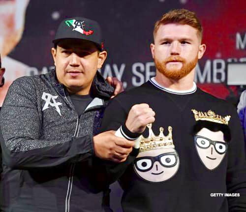 """Canelo Álvarez's Coach Nominated to """"Mexican Trainer of the Year"""" Award"""