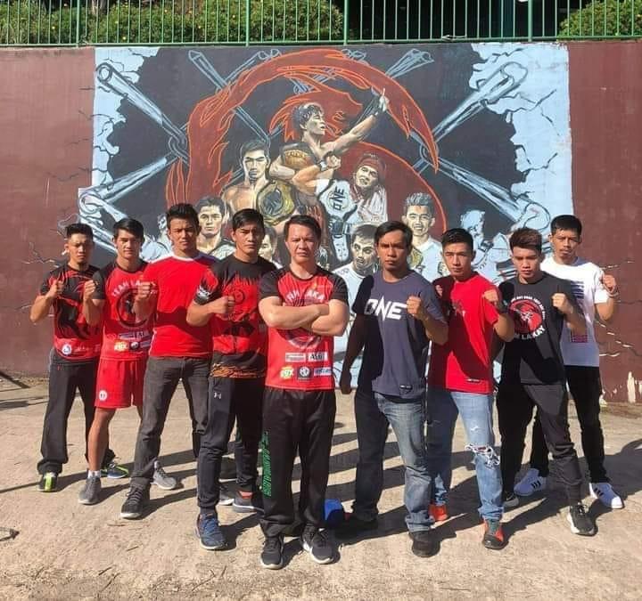 Team Lakay stalwarts show appreciation for Banario mural